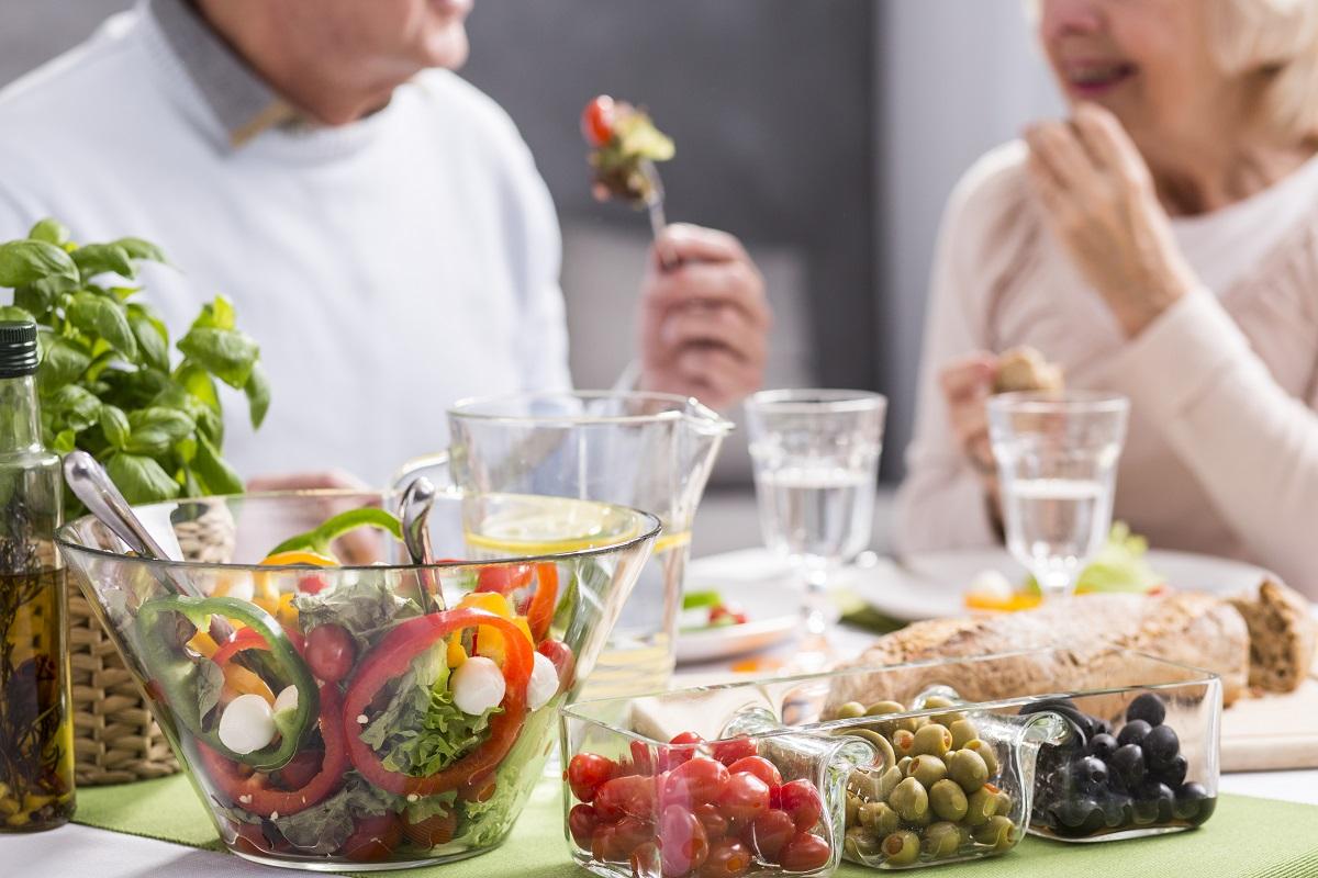 Eating-Smart-for-Brain-and-Heart-Health.jpg